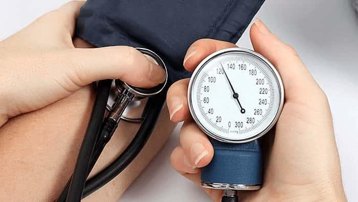 آیا داشتن دستگاه فشار خون در منزل مفید است؟