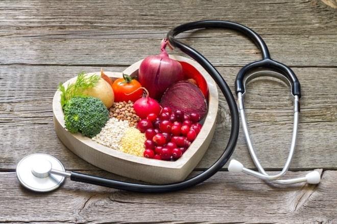 از یک رژیم غذایی مناسب برای سلامت قلب پیروی کنید