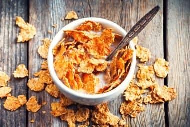 جلوگیری از سکته قلبی حداقل چهار بار در هفته یک صبحانه با فیبر بالا مصرف کنید