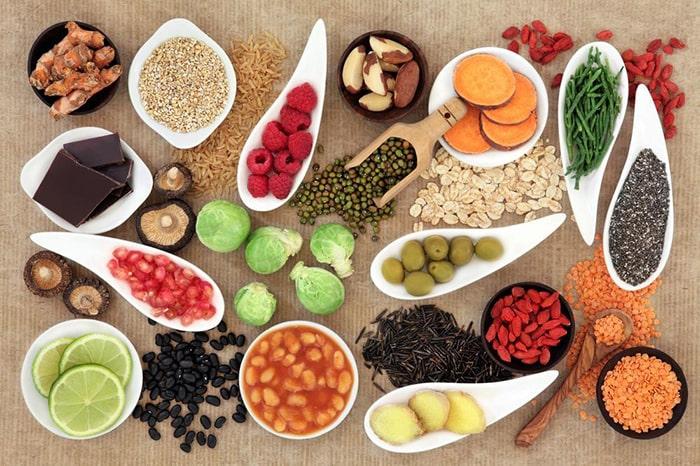 خوراکیهایی که باید از مصرف آنها برای کنترل فشارپرهیز کرد