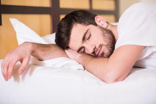 علائم و نشانههای آپنه خواب