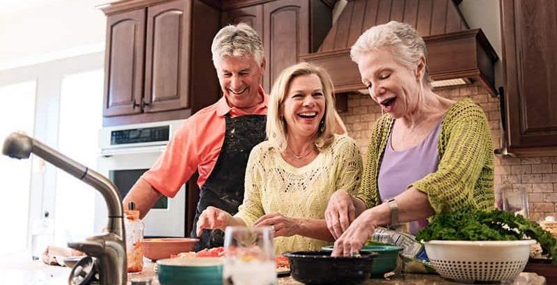 غذاهای مفید برای کلسترول بالا پایین آمدن کلسترول خون با تغذیه سالم