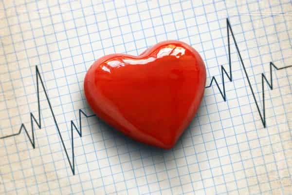 چه عواملی باعث افزایش ناگهانی ضربان قلب می_شود؟